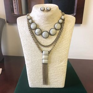 Beautiful Tiered Adjustable Necklace & Earring Set
